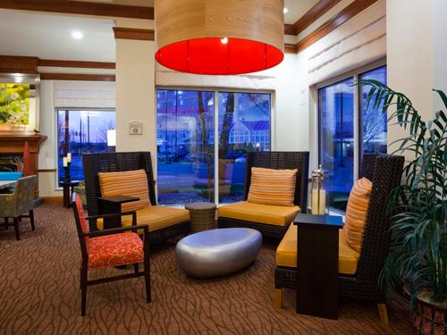 hilton garden inn minneapolisbloomington 18 slider arrow pool fitness center lobby - Hilton Garden Inn Bloomington