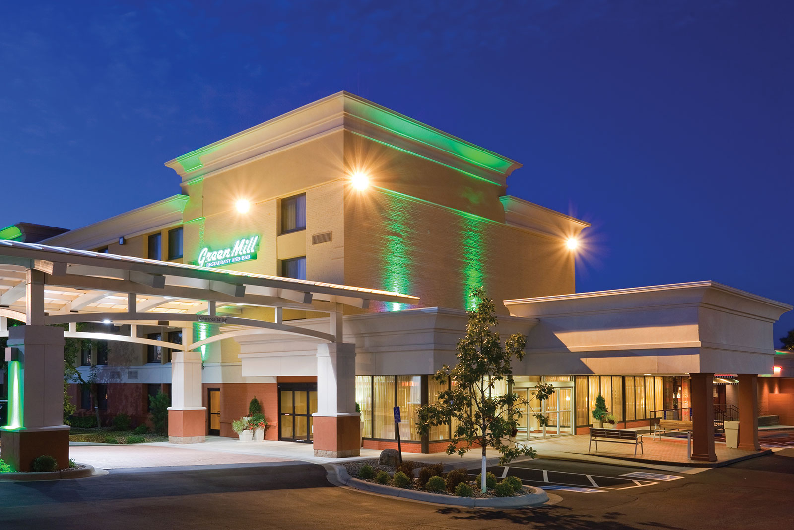Holiday Inn Bloomington Airport South Hotels In