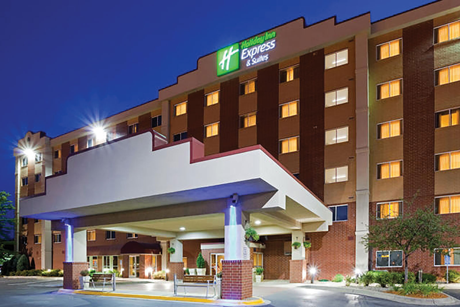 holiday inn hotel marketing plan Roughly two thirds of all hotels in the united states are chain affiliated  book on  a vanity site, and the benefits of leveraging both in your digital marketing strategy   all holiday inn properties are presented identically on brandcom website.