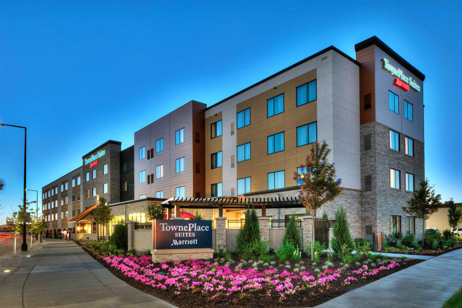 Restaurants Near Courtyard Marriott Minneapolis Downtown