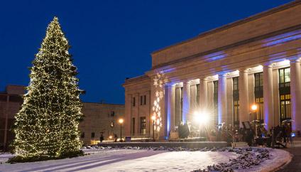 Holiday Tree Lighting In Saint Paul Mn
